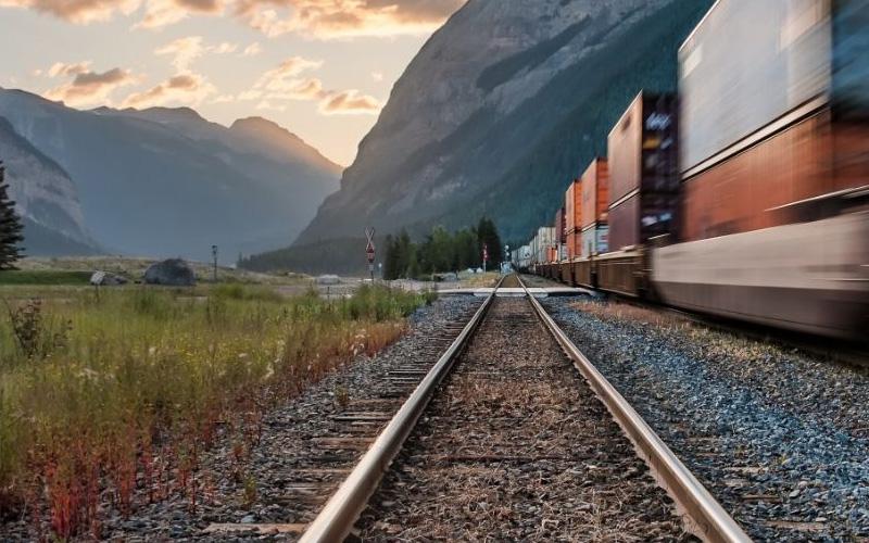 https://www.wasaki.com.br/wp-content/uploads/2021/09/as-vantagens-do-transporte-ferroviario.jpg